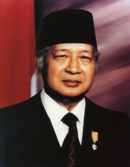 http://telusurindonesia.files.wordpress.com/2011/04/h-m-soeharto.jpg?w=428&h=548